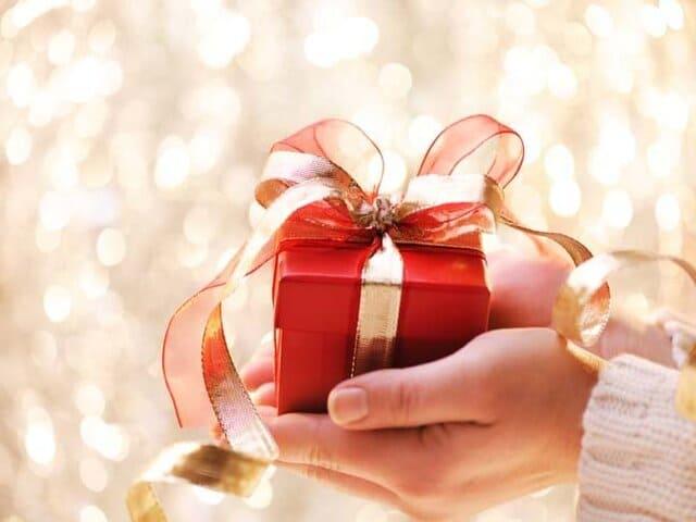 Quà Giáng sinh cho bạn trai thật ý nghĩa, độc đáo