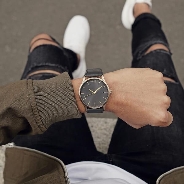 Đồng hồ thể hiện sự sang trọng và tính cách của bạn