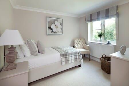 Căn phòng với phong cách đơn giản, nhẹ nhàng và yên tĩnh